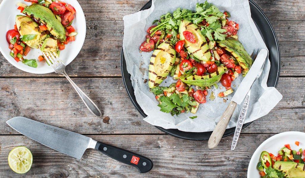 Avocado mit Tomatensalsa