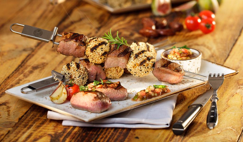Lamm-Falafel-Spieße mit Feigen-Dattel Chutney